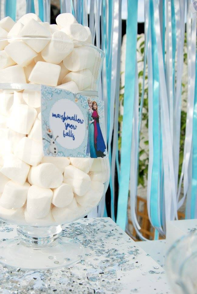 Frozen Elsa Anna party marshmallows white ribbons sparkle candy bar