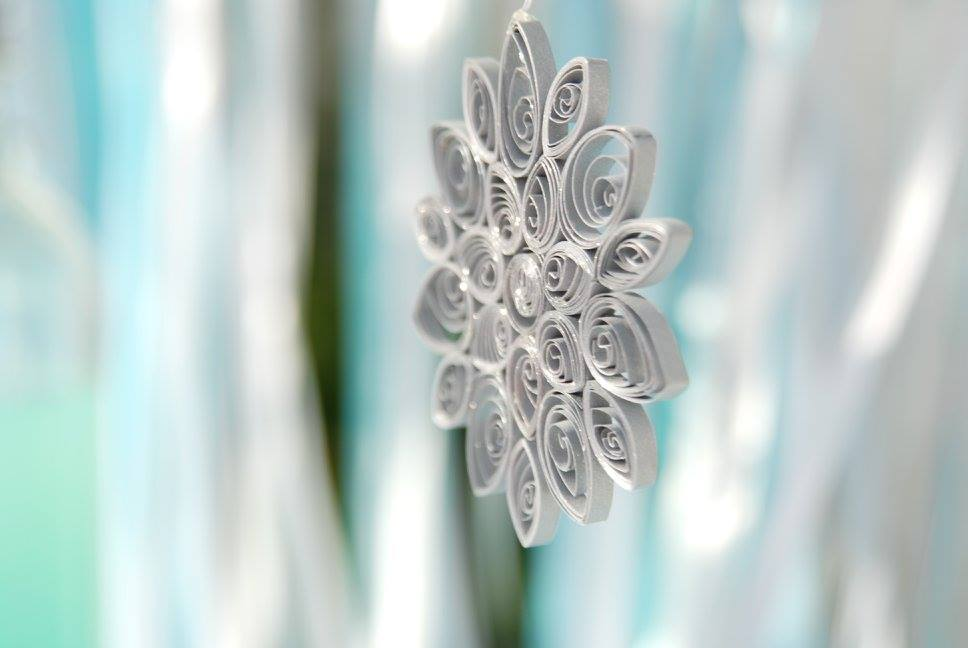 Frozen Elsa Anna party candy bar quilling quilled snowflake ribbons white silver sparkle