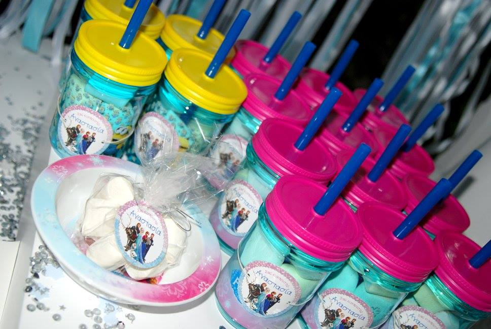 Frozen Elsa Anna party favors gifts presents plate baby food marshmallows tags stickers plastic cups straw sparkles